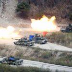 Coreia do Norte realiza exercício de fogo real enquanto submarino dos EUA atraca na Coreia do Sul