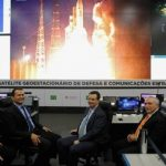 Satélite vai democratizar acesso à banda larga no país, diz Temer