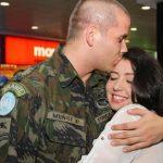 Esposa Emagrece 32 kilos e Surpreende Marido que Estava Há 2 Anos em Missão no Exterior