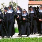 9 Freiras ficaram grávidas num mosteiro e afirmam que foi um milagre