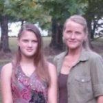 Jovem é torturada e morta pela mãe após ficar 16 anos com família adotiva