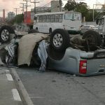 Homem morre após capotar carro na Estrada do Coco em Lauro de Freitas