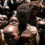 Bruxos ugandenses sacrificam crianças em ritual da chuva