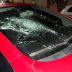 Torcedores do Vitória vandalizam carros após empate com lanterna no Barradão. fotos