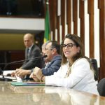 """Veja vídeo: Mirela Macedo ( PSD) disse: """"Nao podemos admitir que Salvador, de forma arbitrária, queira usurpar nossas terras"""""""