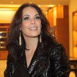 Atriz Carolina Ferraz quebra silêncio sobre fim de contrato na Globo