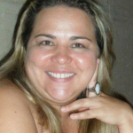 Homem mata a própria esposa a facadas em Salvador