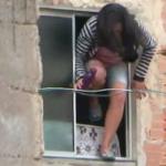 Dona de casa se joga de janela para fugir de ex-marido na Bahia