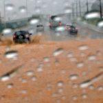 Vídeo: Chuva forte causa alagamento embaixo do viaduto próximo ao aeroporto de Salvador