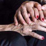 Senhora de 68 anos é estuprada dentro de casa em Salvador por três homens