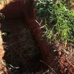 Mulher enterra VIVO filho de 3 meses pra se casar com homem rico