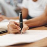 EDUCAÇÃO: Bolsas ajudam quem quer voltar a estudar depois de adulto