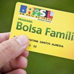 Bolsa Família poderá ter cartão de compra de material escolar! Confira