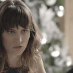 Clara (Bianca Bin) incentiva mulheres a praticar RITUAL com menstruação