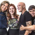 BBB18: Globo chama Família Lima e conta sobre repercussão negativa do beijo entre pai e filha e eles se revoltam