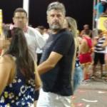 Gustavo Ferraz curte Carnaval na Barra e fala sobre sua soltura de prisão domiciliar