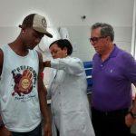 Secretário de Saúde de Lauro de Freitas acompanha a vacinação da Febre Amarela no município