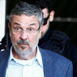 Palocci faz acordo de delação premiada e vai entregar todo mundo pra Polícia Federal