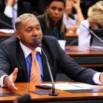 Ministro do STF envia inquérito contra Tiririca para 1ª instância