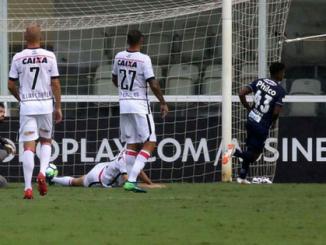 Vitória é atropelado pelo Santos na Vila Belmiro