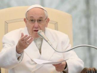 Papa diz que casais gays NÃO podem ser considerado FAMÍLIAS