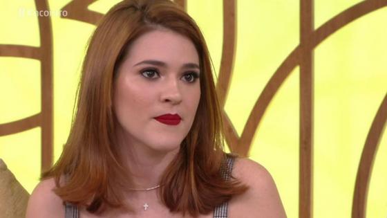Ana Clara dá show de estrelismo e despreza a imprensa