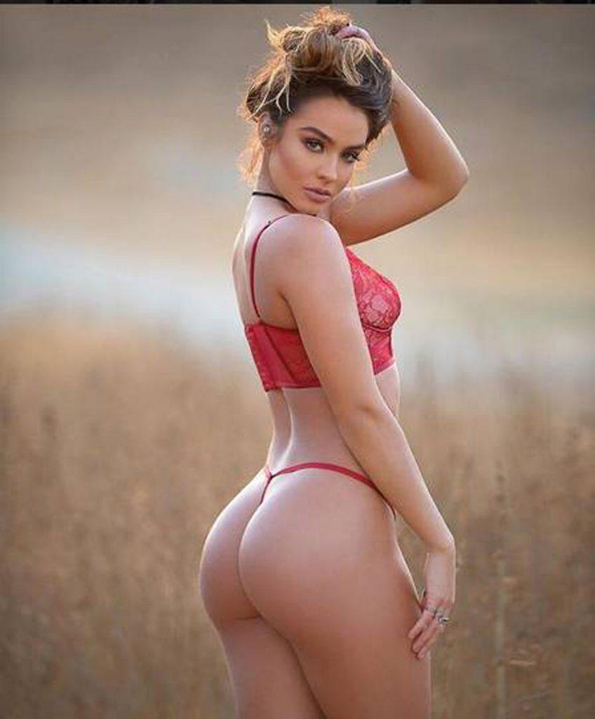 A mulher do bumbum mais bonito do Instagram