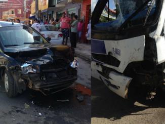 Topic provoca sério acidente com 4 veículos em Itinga