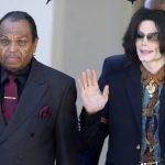 Michael Jackson foi castrado pelo próprio pai; afirma médico