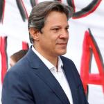 Haddad visita Lula na prisão para discutir 2º turno