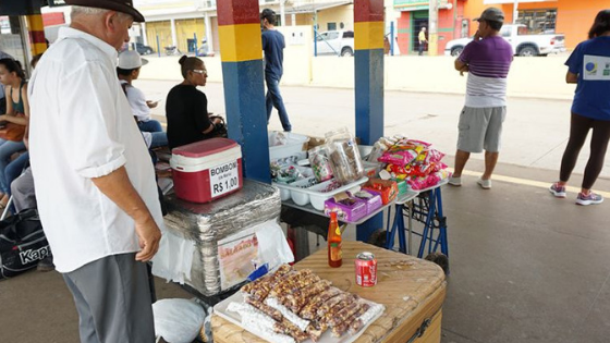 Projeto proíbe apreensão de mercadorias se ambulante estiver desempregado