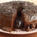 Comer bolo de chocolate ajuda a perder peso