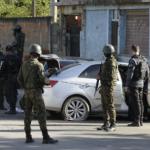 PM morre ao furar blitz durante ação do exército em Belford Roxo