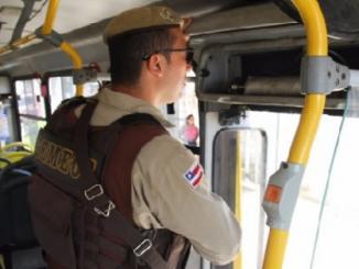 PM é executado ao ser reconhecido em assalto a ônibus