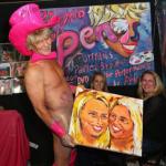 O artista que usa o pênis como pincel e pinta retratos de visitantes