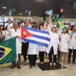 Médicos cubanos começam a deixar o Brasil