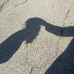 Menina denuncia padrasto após palestra de educação sexual na escola