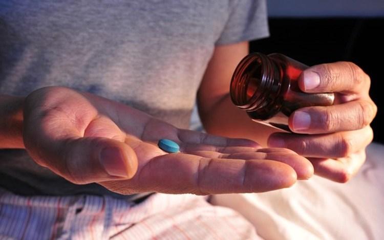 Os efeitos colaterais do AZULZINHO que podem levar a morte