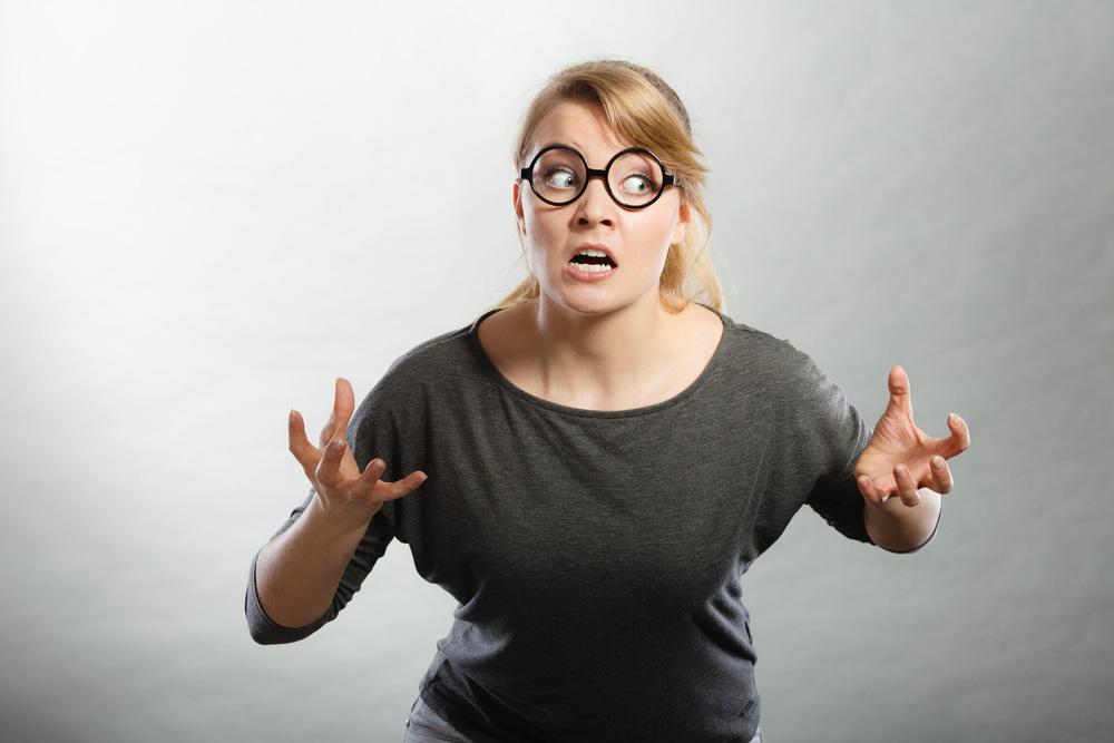 Por que pobre que deixa de ser pobre gosta de pisar em pobre?