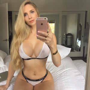 Conheça a modelo sexy que quebrou as redes sociais