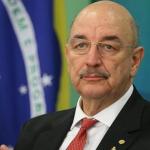 Ministro de Bolsonaro quer limitar venda de cerveja por pessoa