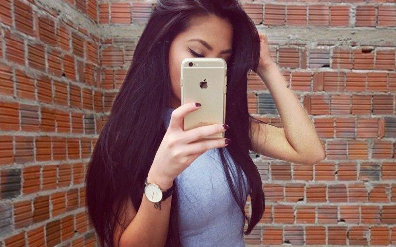 Aumenta número de pessoas que deixam de rebocar a parede para comprar iPhone
