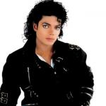 """Michael Jackson """"casou"""" com menino de 9 anos e abusou de 20 crianças, revela documentário"""