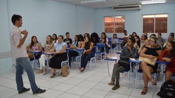 Faculdade oferece mais de 150 cursos gratuitos em Lauro de Freitas
