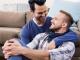 8 sinais de que o seu namorado pode ser GAY