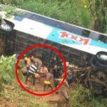 Nova tragédia no Rio: ônibus despenca e deixa vários corpos espalhados