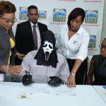 Rapaz ganhou 1 milhão na loteria e usou máscara para a família não pedir dinheiro