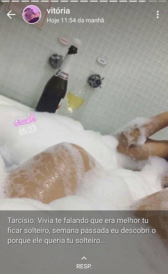 """Jovem envia fotos intimas da ex e ela """"pega"""" todos que viram as imagens"""