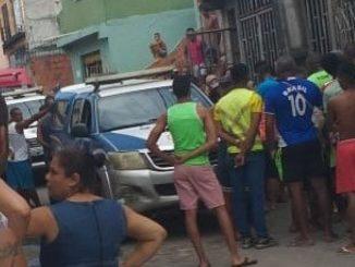 Filho mata pai da PM a tiros dentro de casa em Salvador