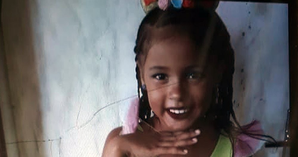 Carro de Paredão cai e mata menina de 7 anos em Engomadeira